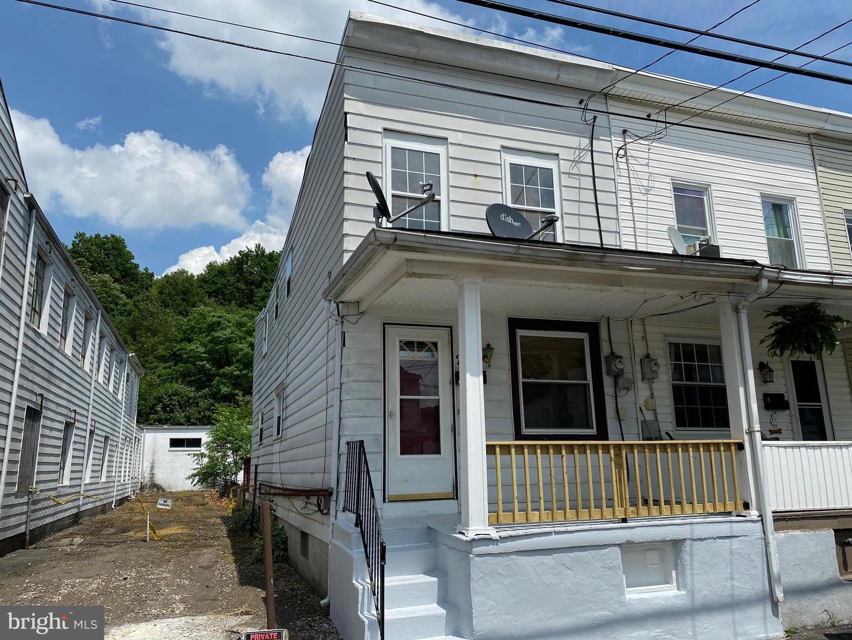 Single Family Homes للـ Sale في St. Clair, Pennsylvania 17970 United States