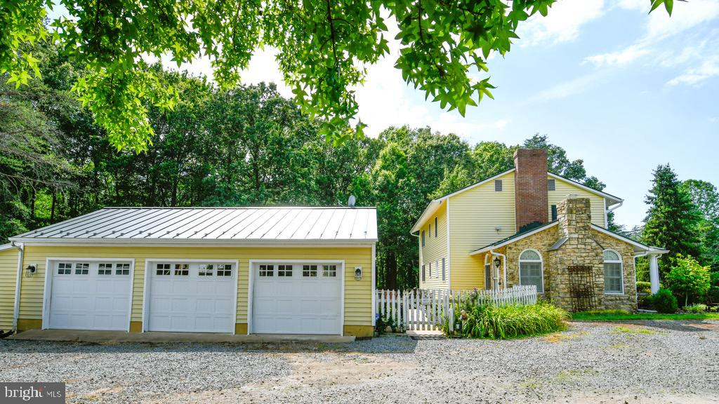 View of Garage and side of the house - 323 HARTWOOD RD, FREDERICKSBURG