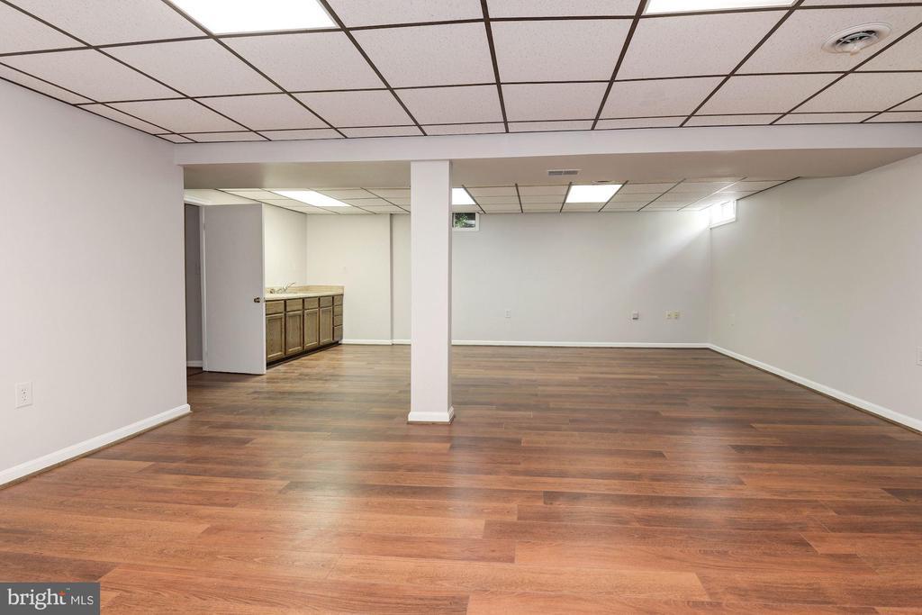 Lower level rec room - 3224 WILDMERE PL, HERNDON