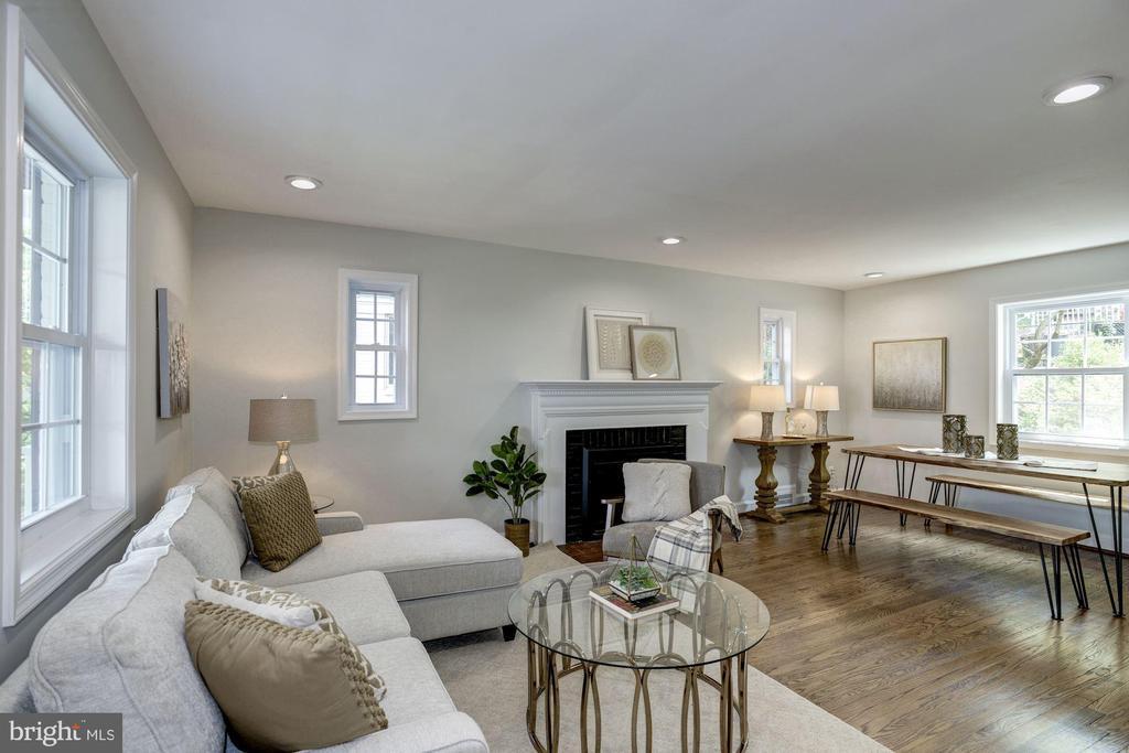 Open floor plan with new recessed lighting - 926 26TH ST S, ARLINGTON