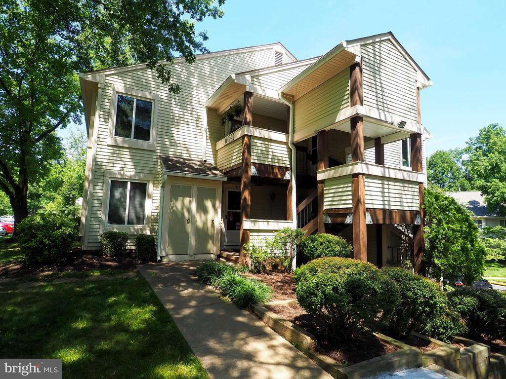 Beautifully landscaped and maintained - 10320 LURIA COMMONS CT #3 H, BURKE