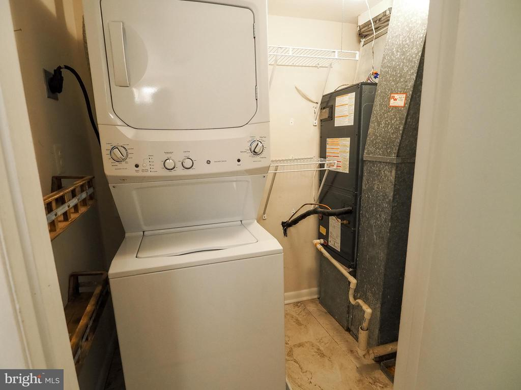 Laundry room/Utility room - 10320 LURIA COMMONS CT #3 H, BURKE