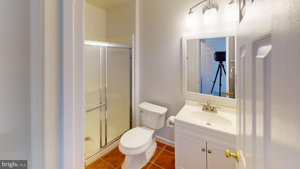 3rd full bath on lower level - 13616 WILDFLOWER LN, CLIFTON
