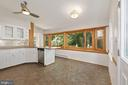 Large Kitchen with extra room for dining table - 3311 OBERON ST, KENSINGTON
