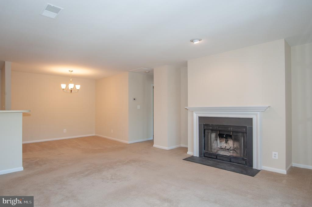 Living Room - 7509 ASHBY LN #H, ALEXANDRIA