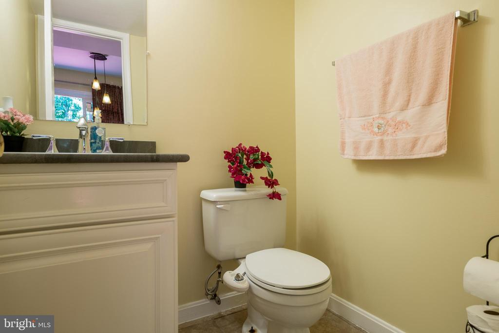 Guest Bthroom - 2855 BOWES LN, WOODBRIDGE