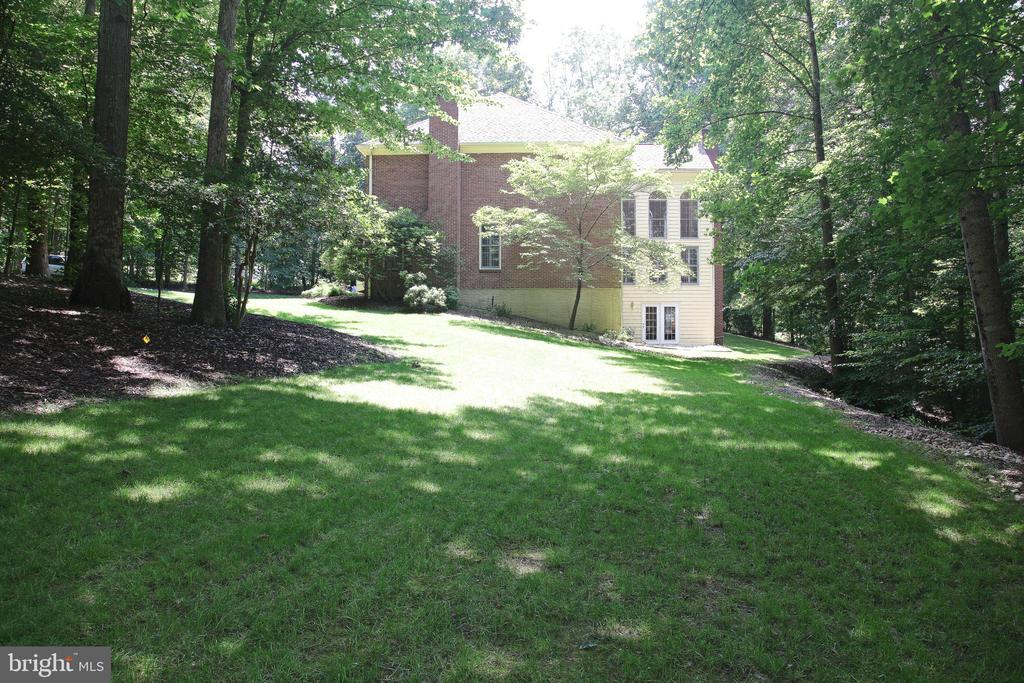 Front Side View - 11116 HENDERSON RD, FAIRFAX STATION