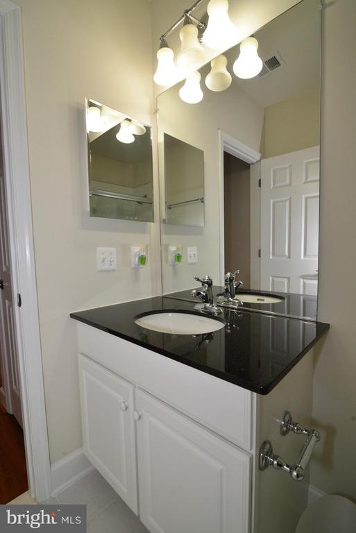 Newly redone lower level bath - 42814 RAVENGLASS DR, ASHBURN