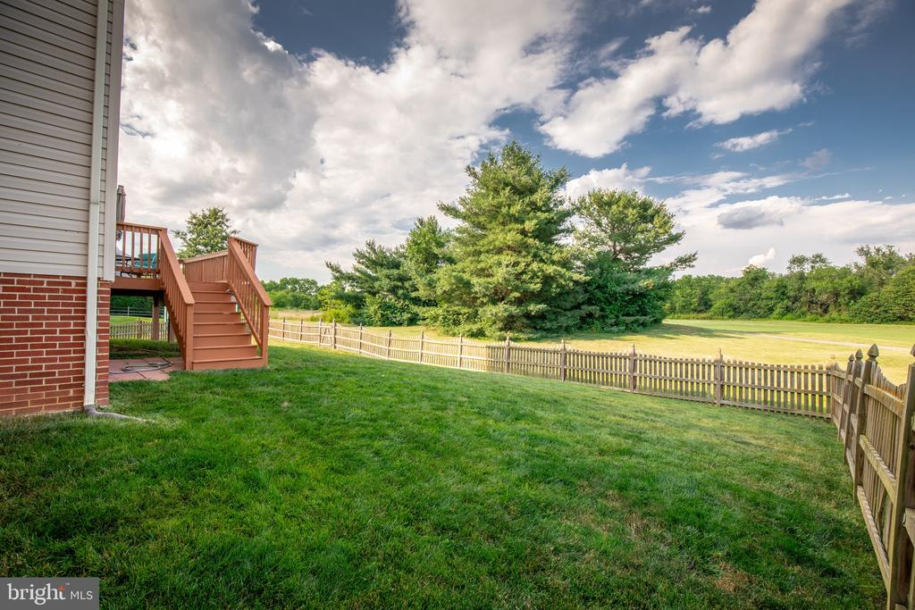 Fenced in backyard - 144 PEBBLE BEACH DR, CHARLES TOWN