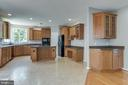 KITCHEN- ENTER FROM THE MUD ROOM - 42345 ASTORS BEACHWOOD CT, CHANTILLY
