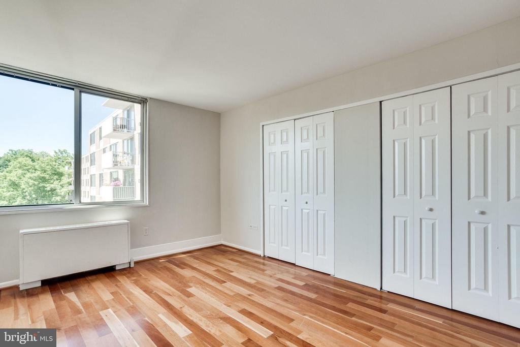 Bedroom with lots of closet space - 2939 VAN NESS ST NW #1017, WASHINGTON