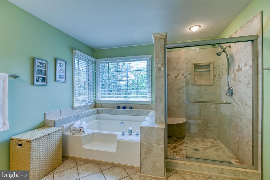 Master Bath - 26 NEVILLE CT, STAFFORD