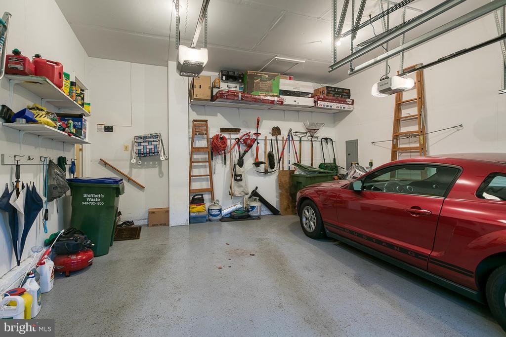 2 car garage with storage - 26 NEVILLE CT, STAFFORD