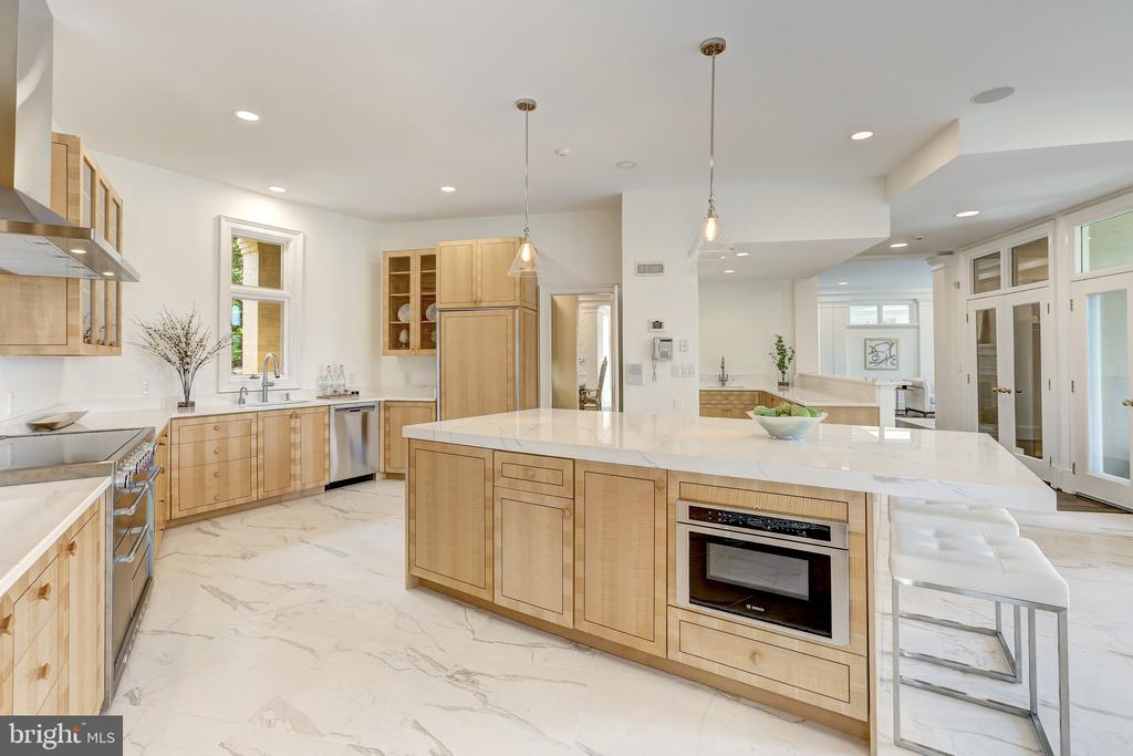 Gorgeous Marble Tiling - 8313 PERSIMMON TREE RD, BETHESDA