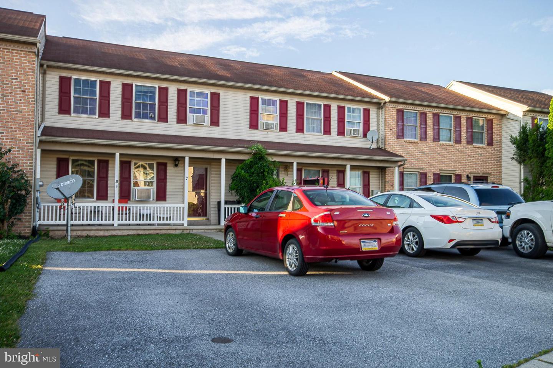 Single Family Homes 为 销售 在 Fredericksburg, 宾夕法尼亚州 17026 美国