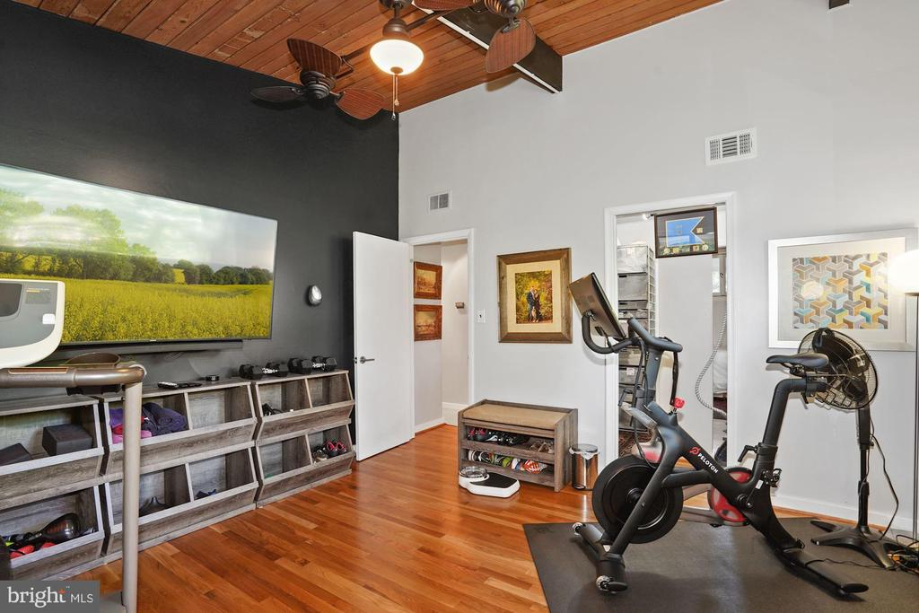 Exercise Room or Potential Home Office - 3421 STONEYBRAE DR, FALLS CHURCH