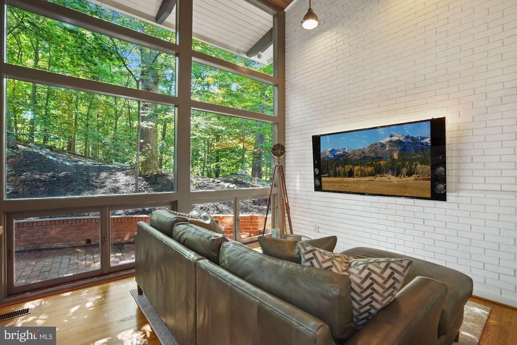 23 Foot Wall of Glass Windows - 3421 STONEYBRAE DR, FALLS CHURCH
