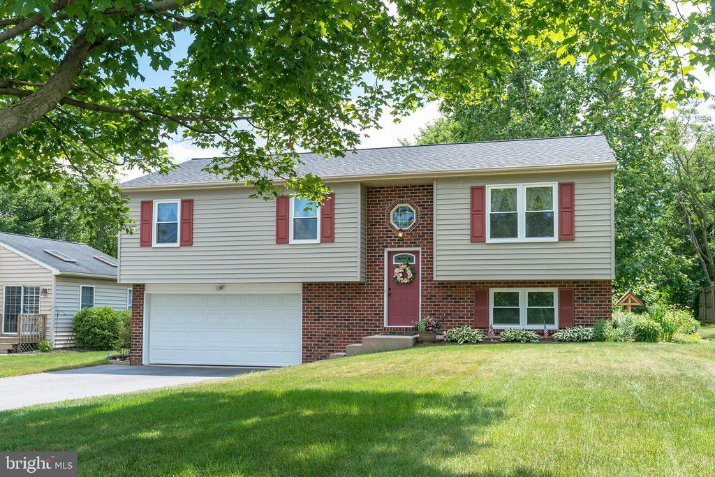 3232 BLUE ROCK RD, Lancaster PA 17603