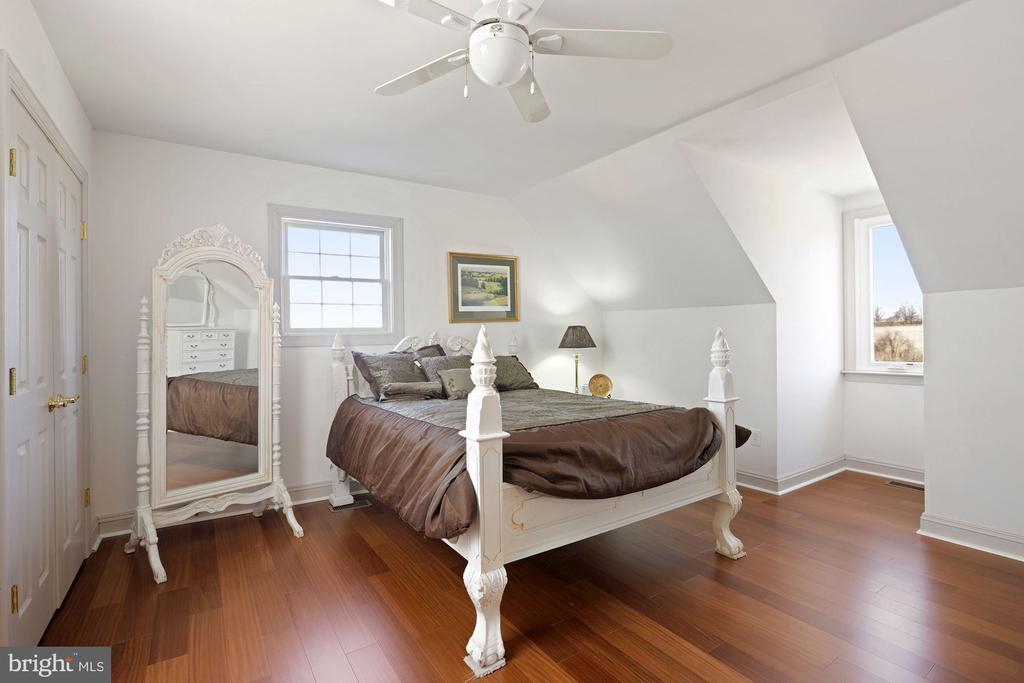 4th bedroom suite! - 15929 BRIDLEPATH LN, PAEONIAN SPRINGS