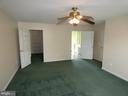 Master bedroom view toward walk in closet and bath - 43114 LLEWELLYN CT, LEESBURG