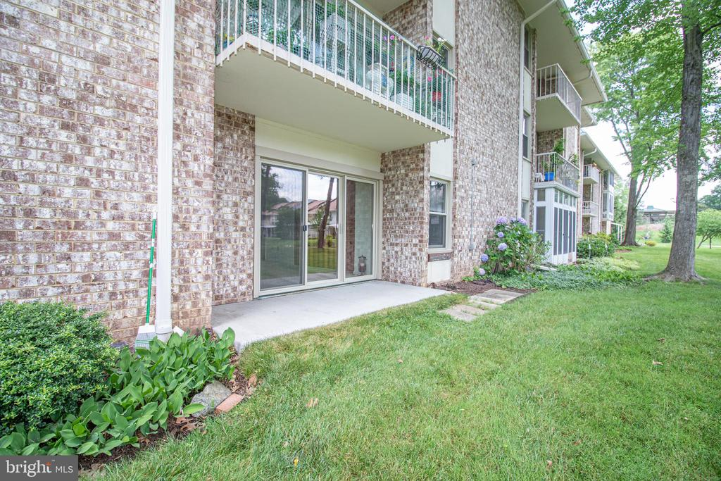 Sliding doors to the patio - 3618 GLENEAGLES DR #7-1G, SILVER SPRING