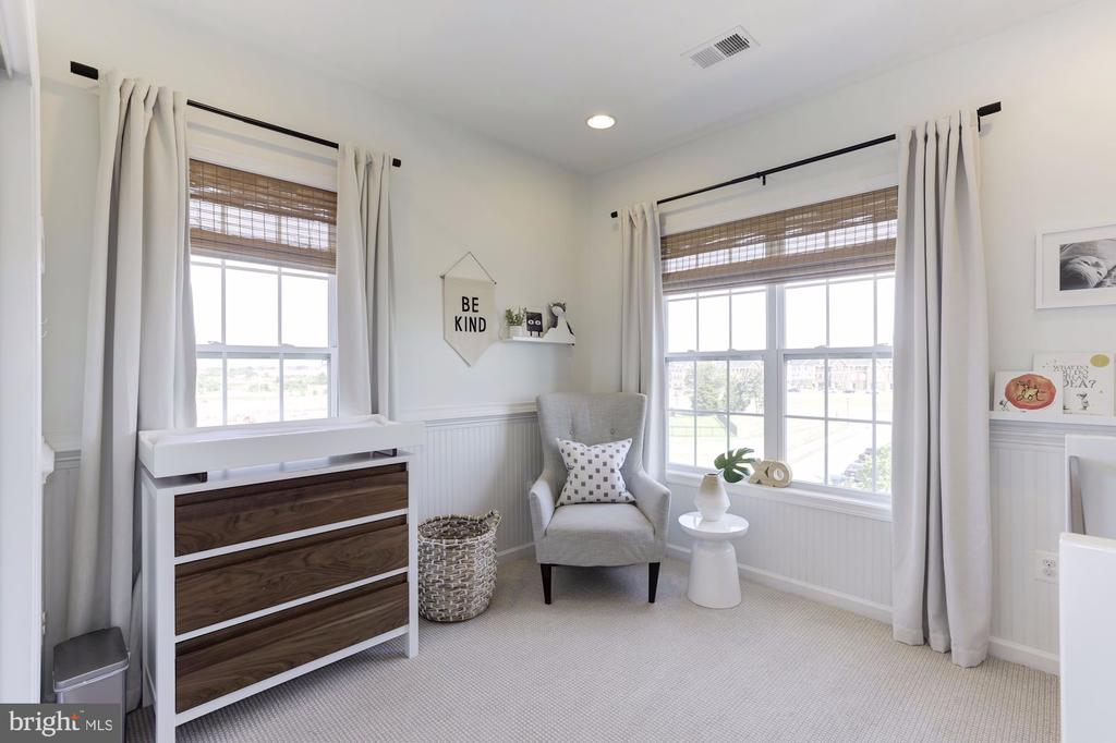 Third Bedroom with Wainscoating and large windows - 43051 THOROUGHFARE GAP TER, ASHBURN