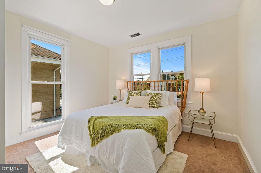 Bedroom - 1407 WEBSTER ST NW, WASHINGTON