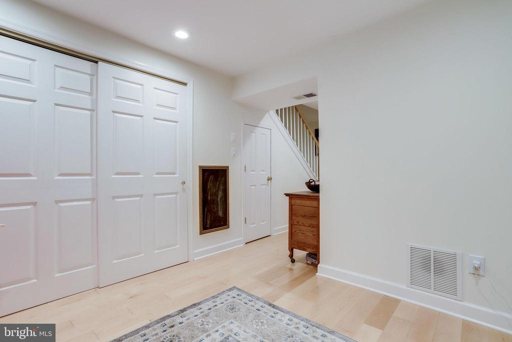 Under Stair Storage - 2536 S WALTER REED DR #D, ARLINGTON