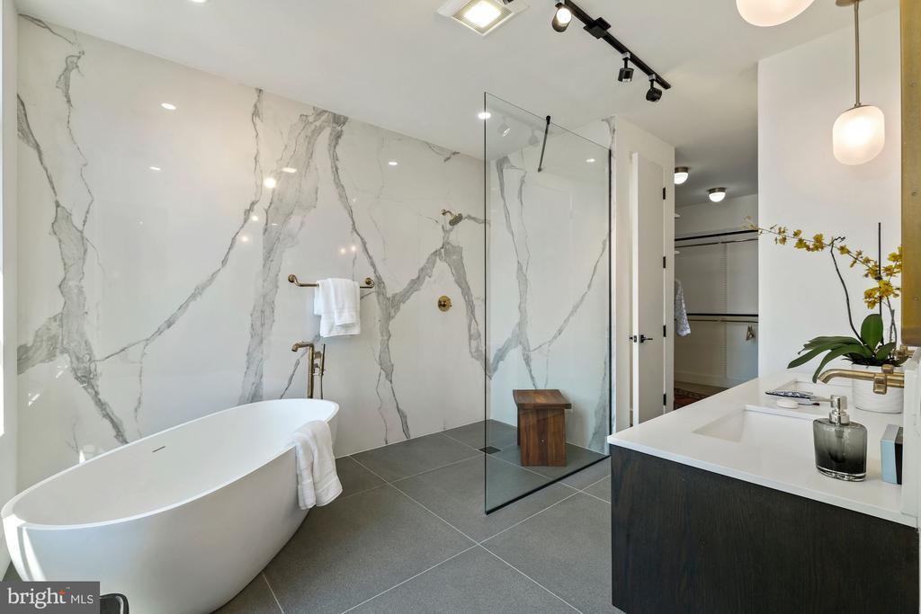 Glamorous master bathroom with deep soaking tub - 928 O ST NW #3, WASHINGTON