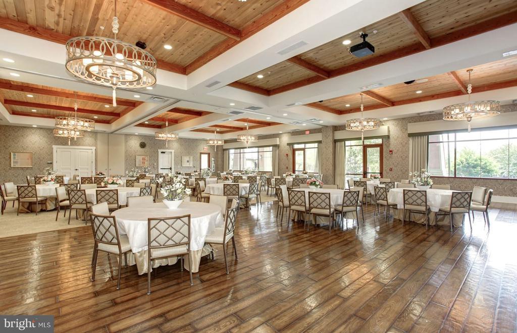 The Lodge - dining - 45 DENISON ST, FREDERICKSBURG