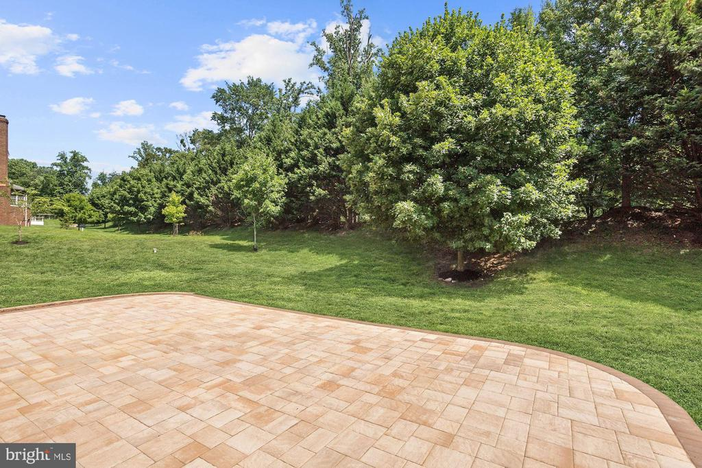 Entertainer's Patio - 11227 INDEPENDENCE WAY, ELLICOTT CITY