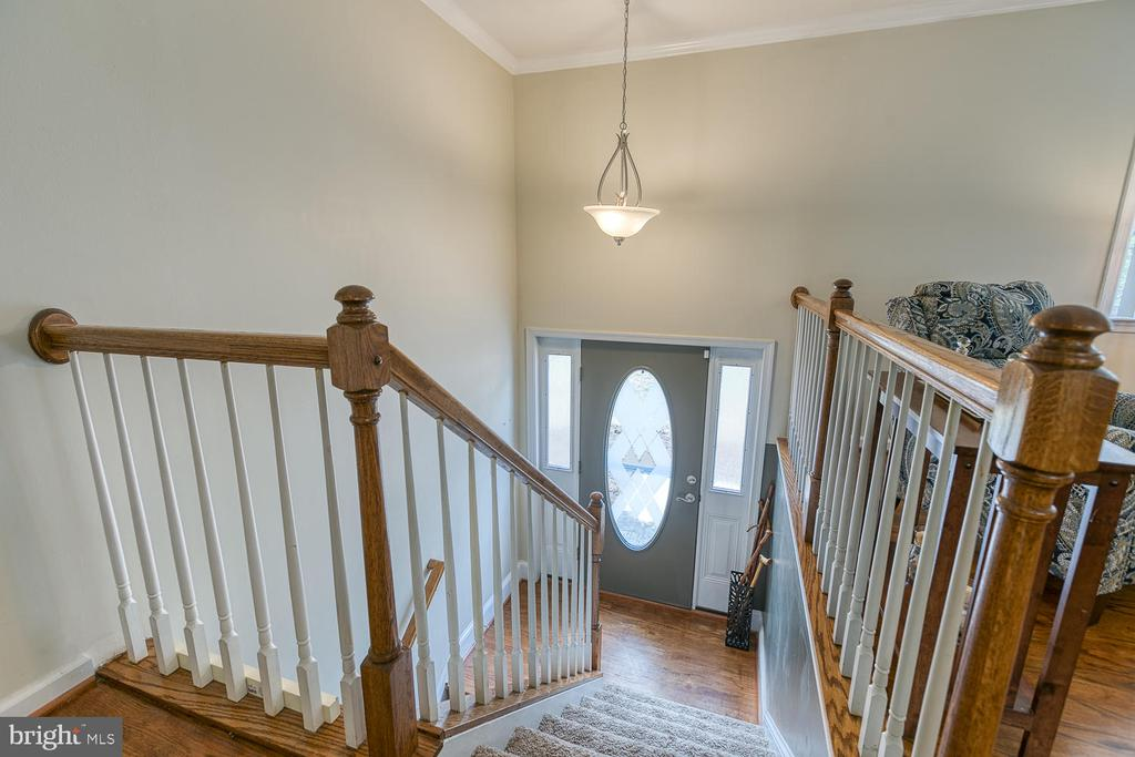 Beautiful Open Entryway - 201 N RANDOLPH RD, FREDERICKSBURG