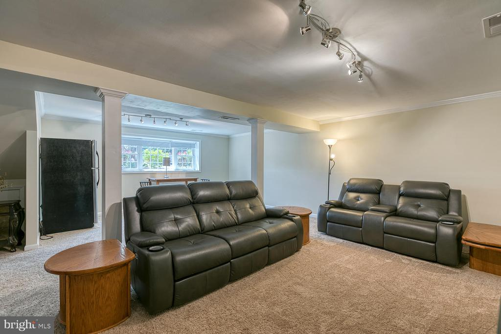 Plenty of Room For Lounging! - 201 N RANDOLPH RD, FREDERICKSBURG