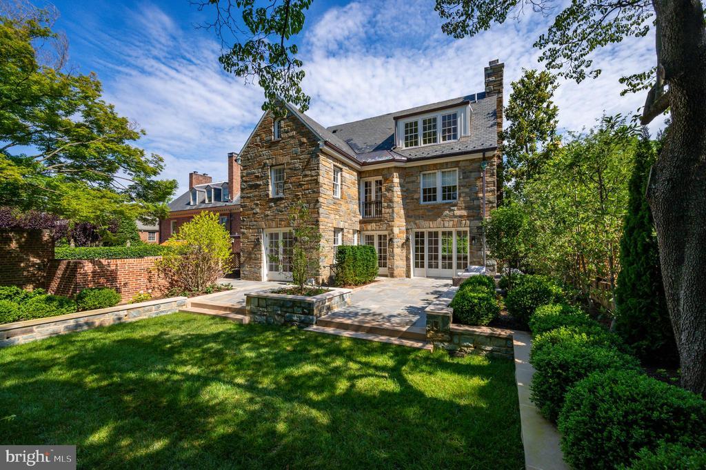 Rear Terrace and Garden - 2302 KALORAMA RD NW, WASHINGTON