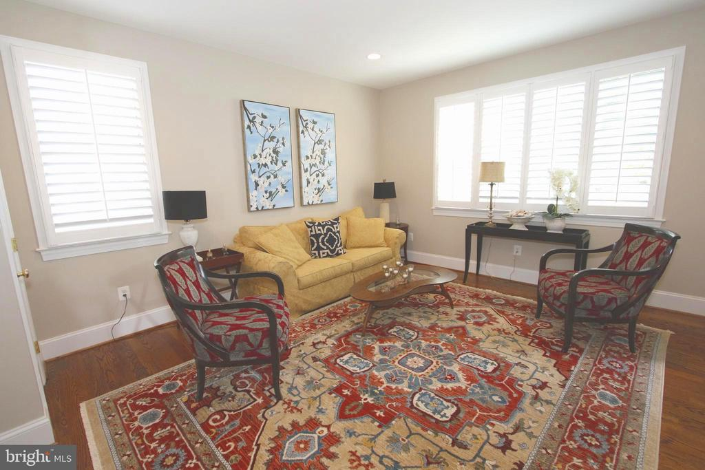 Living Room with custom Plantation Shutters - 20131 DAIRY LN, STERLING