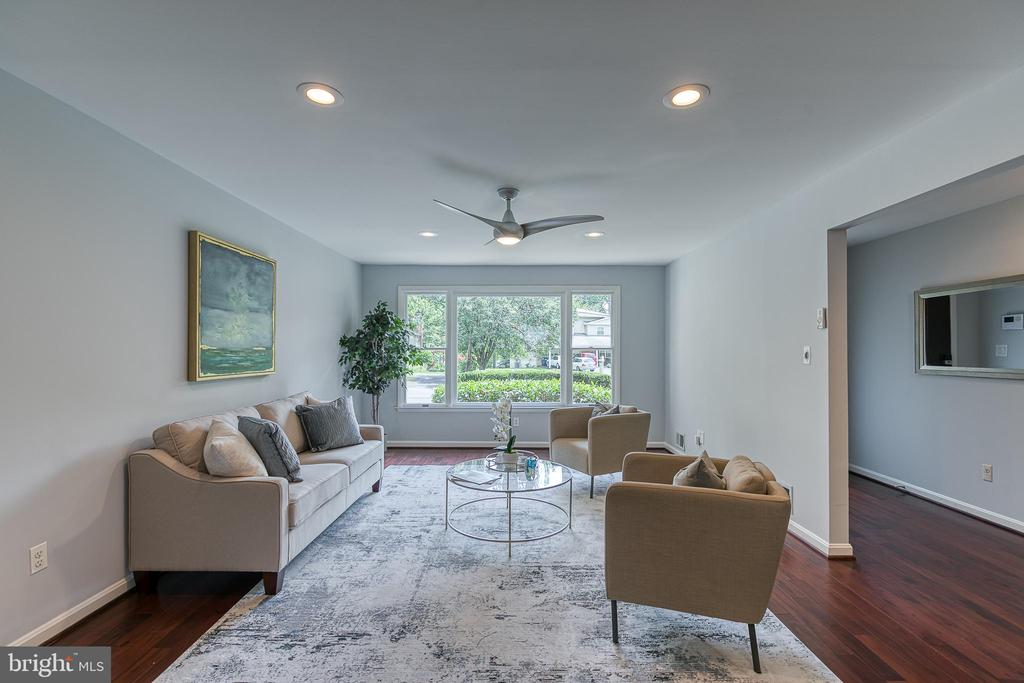 Expansive living room - 3408 GREENTREE DR, FALLS CHURCH