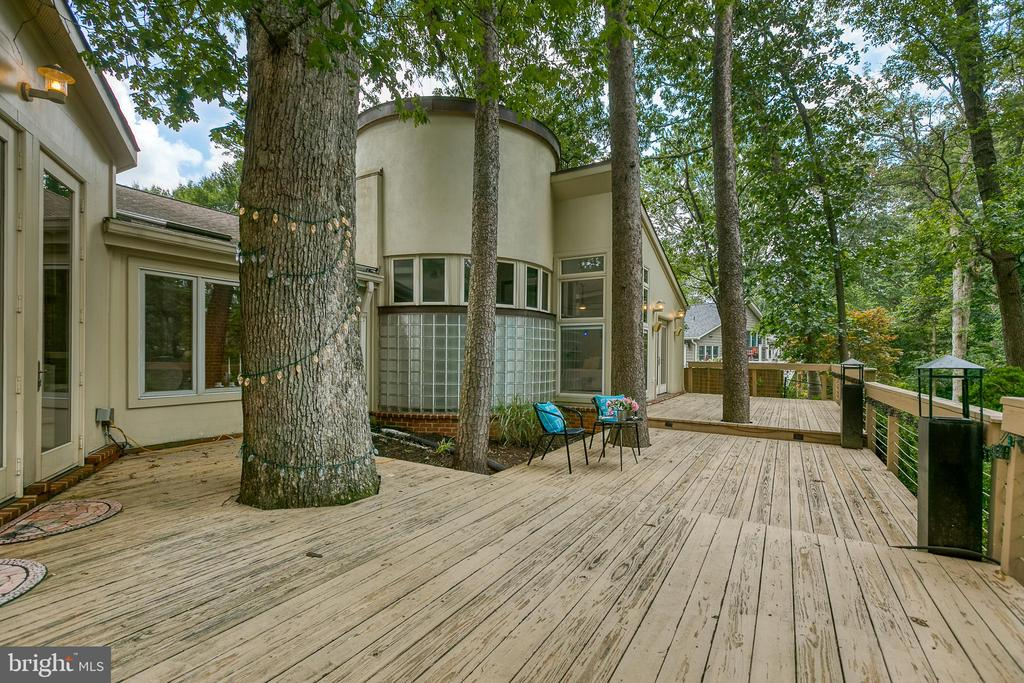 Gorgeous deck off main level, wooded backyard! - 3408 GREENTREE DR, FALLS CHURCH