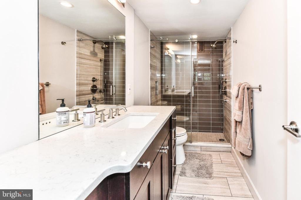 Beautifully upgraded bathrooms. - 3001 VEAZEY TER NW #508, WASHINGTON