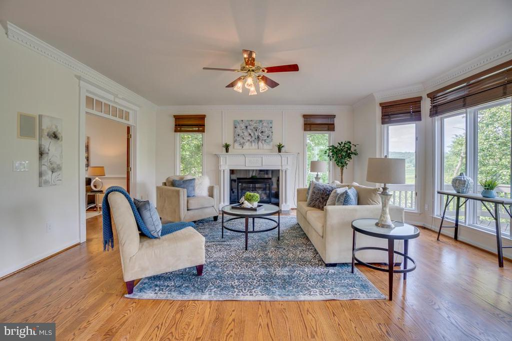 Generous family room - 320 IRONSIDE CV, STAFFORD