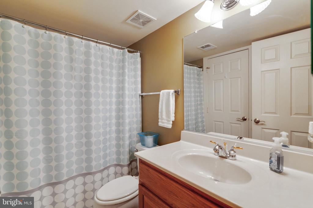Basement Bathroom - 3717 STONEWALL MANOR DR, TRIANGLE