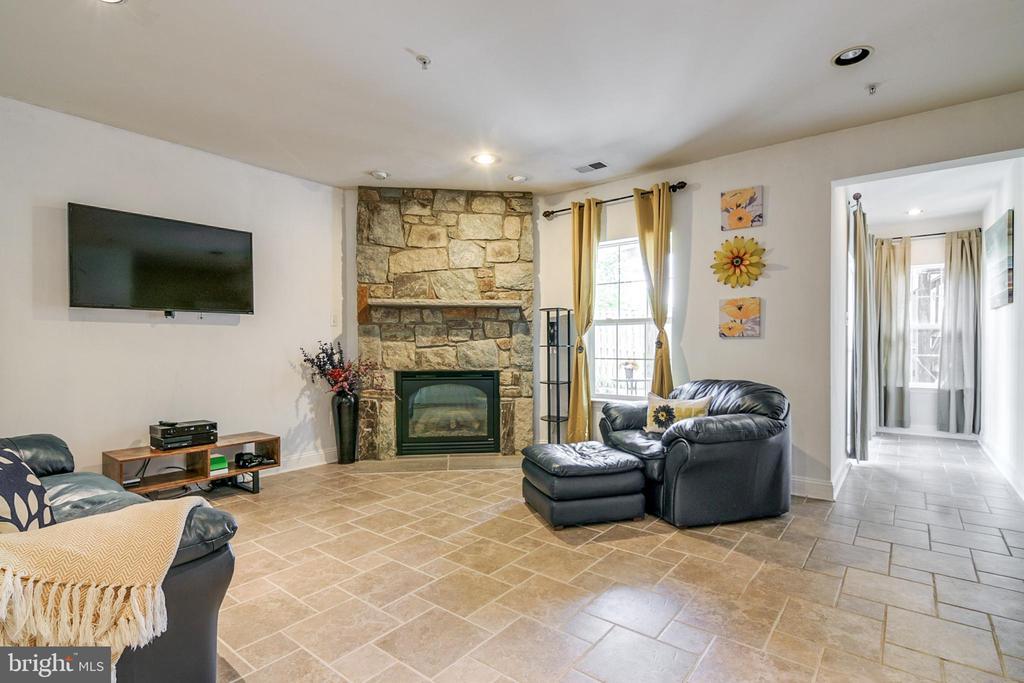 Family Room - 4843 TOTHILL DR, OLNEY