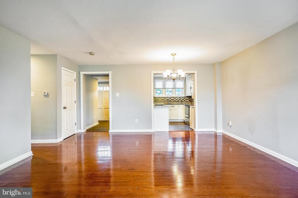 Interior View w Premium Hardwood floor - 14371 SAGUARO PL, CENTREVILLE
