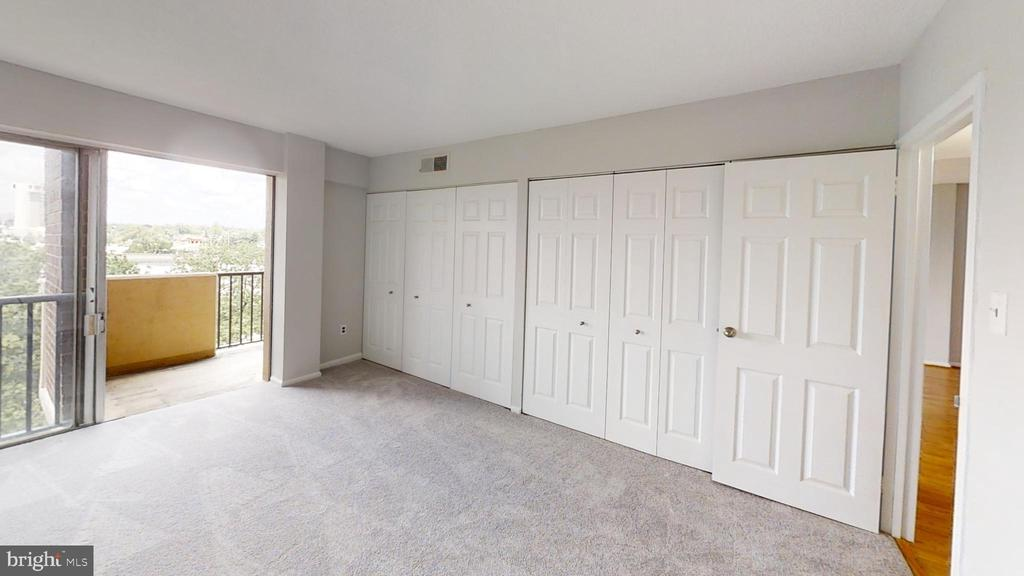All new closet doors and carpet - 1300 ARMY NAVY DR #907, ARLINGTON