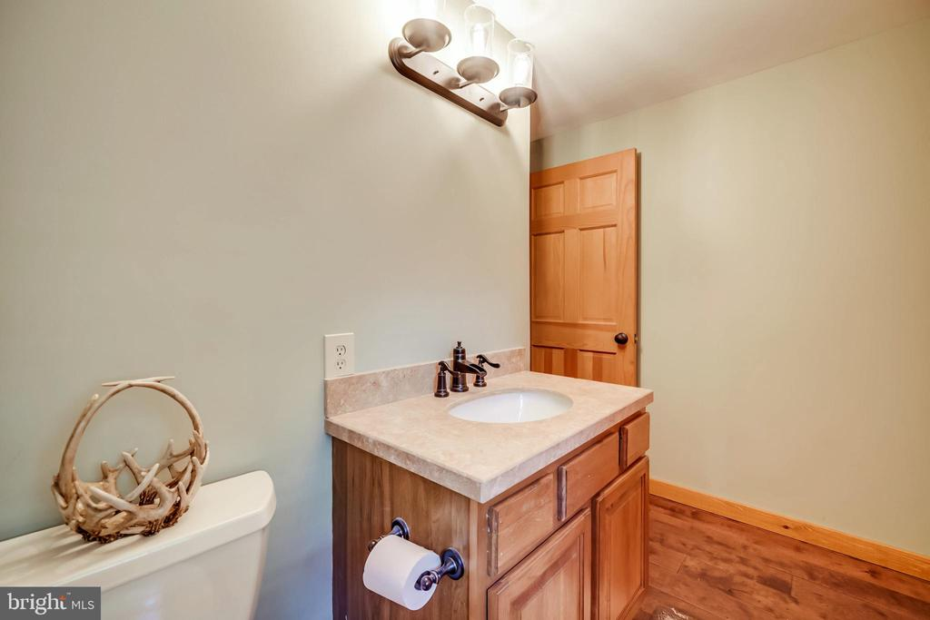All new brushed bronze faucets! - 13533 CATOCTIN HOLLOW RD, THURMONT