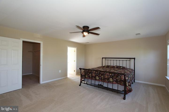 Master bedroom- Alt view - 118 CLAUDE CT SE, LEESBURG
