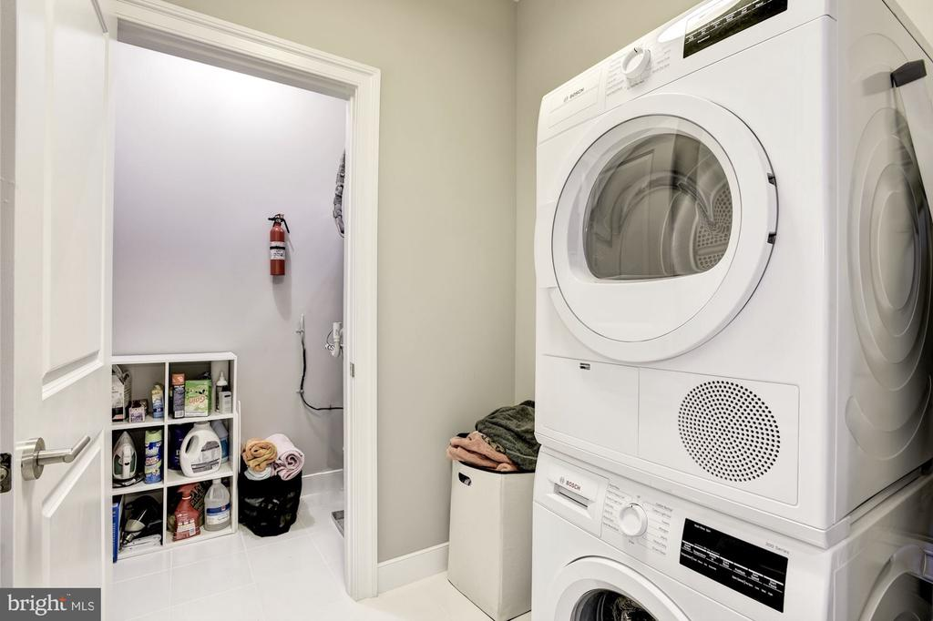 Laundry Room Located on Bedroom Level - 43567 MICHIGAN SQ, LEESBURG