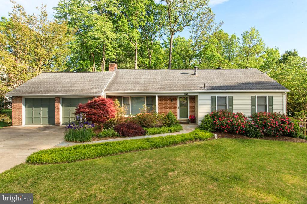 - 9048 BROOK FORD RD, BURKE