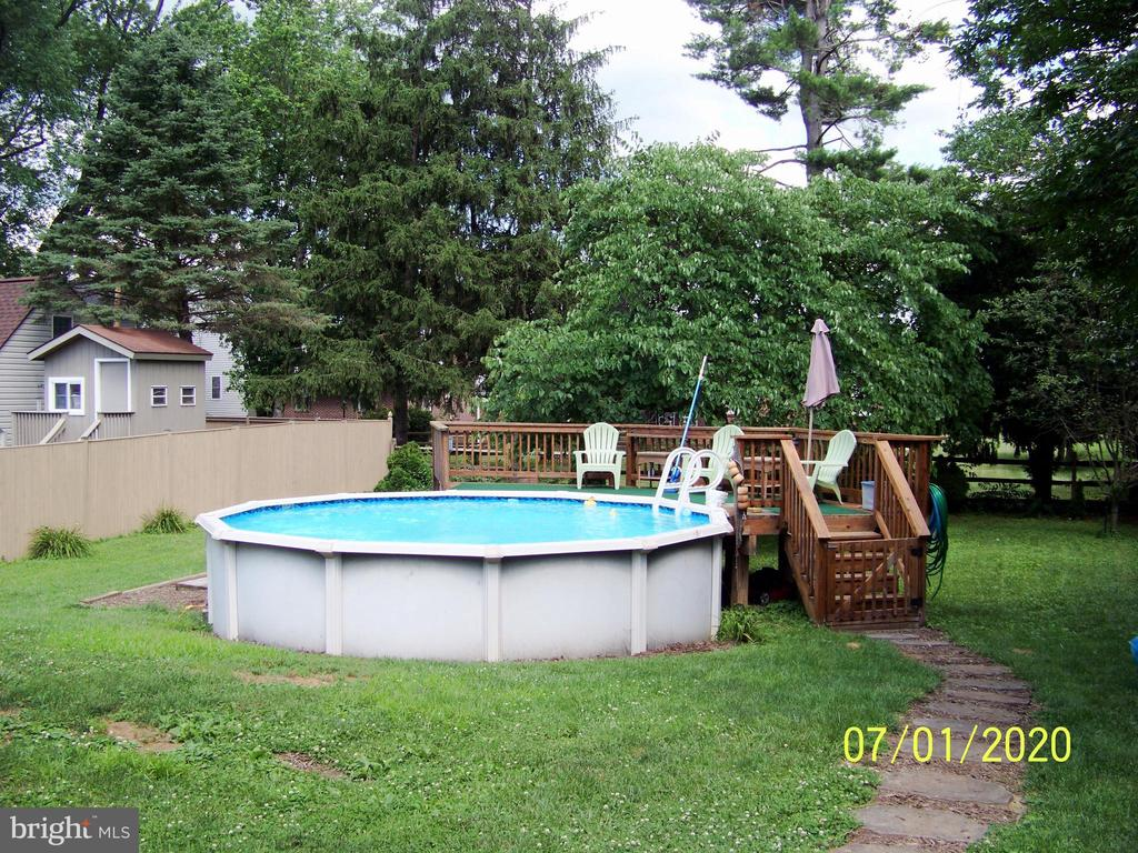 Cool off on those hot days - 48 NORTH PL, FREDERICK