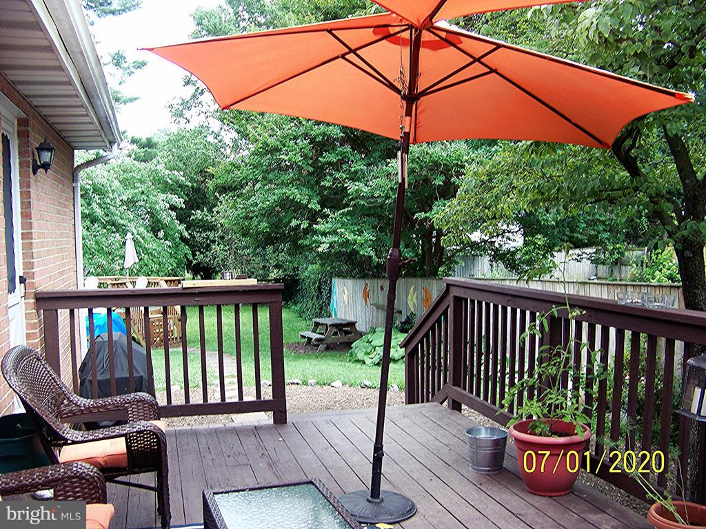 Relax on the deck - 48 NORTH PL, FREDERICK
