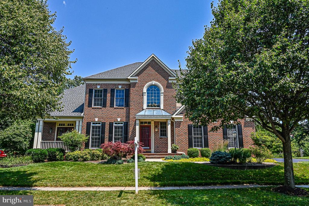 Brick Front w/ Dentil Moldings & Front Porches - 26124 TALAMORE DR, CHANTILLY